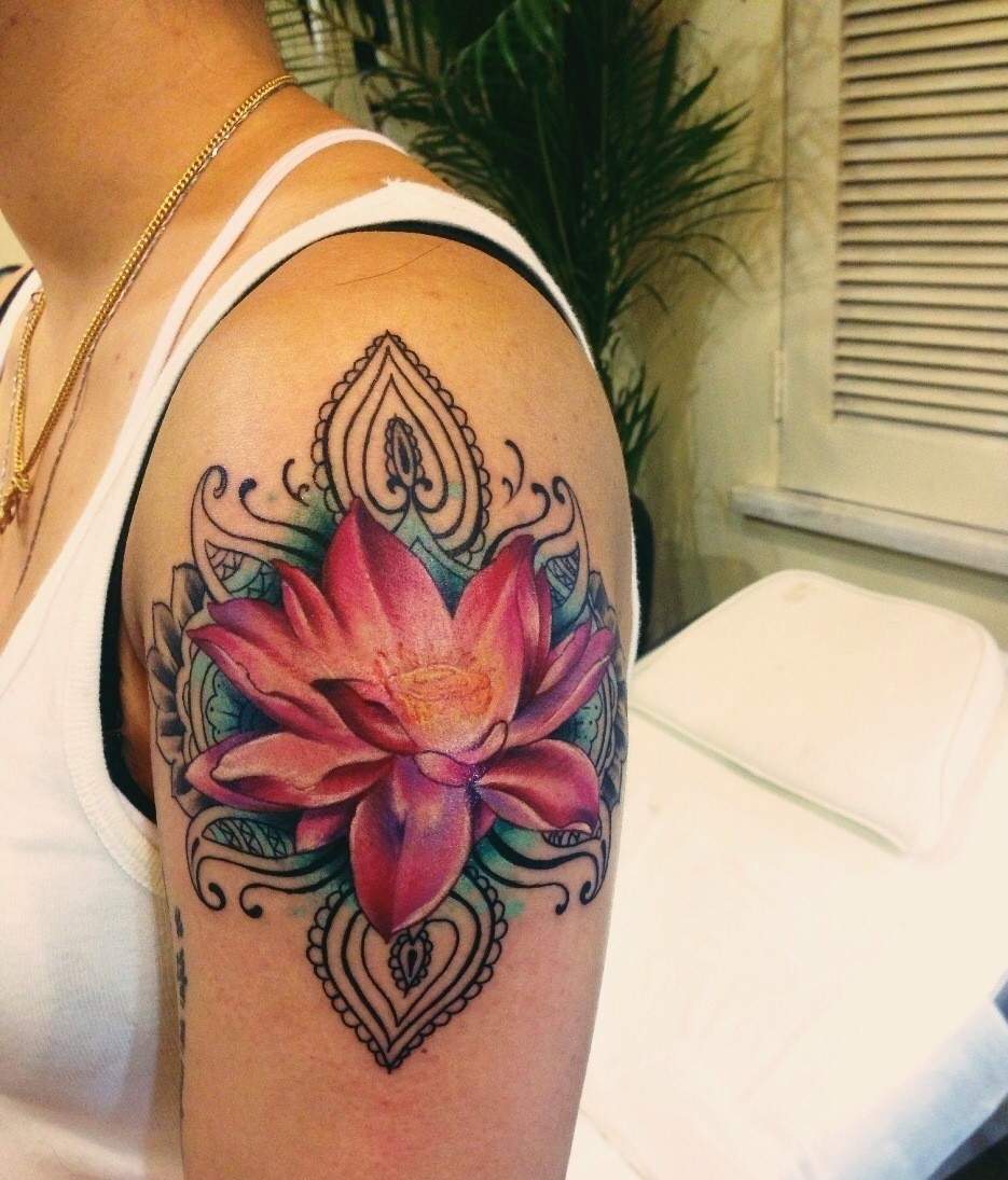 Floral Tattoo Images Designs: 55 Flower Tattoos Representing Love And Beauty
