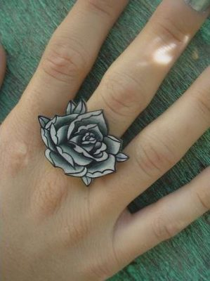 Make A Rocking Couple By Astonishing Ring Tattoos