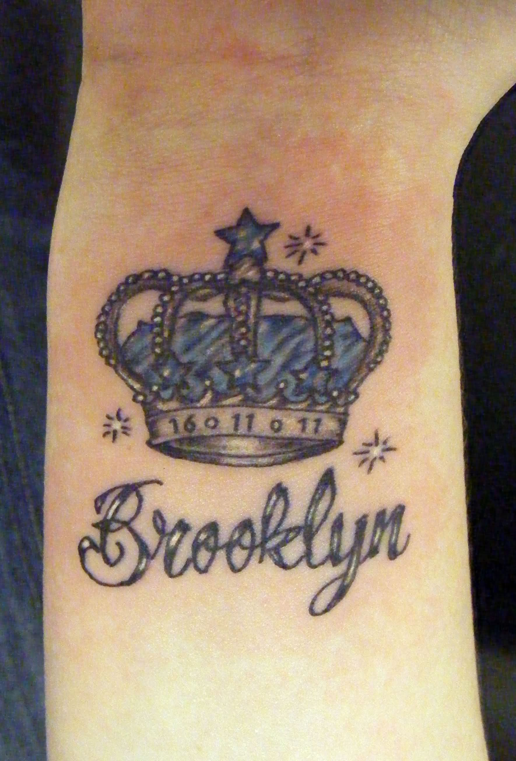 Crown tattoo on tumblr - Memorial Queen Crown Tattoo Image Source Tattoostime